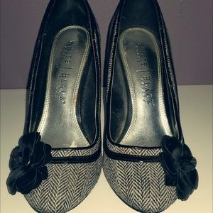 WHITE HOUSE BLACK MARKET Tweed Heels 6.5